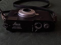 00100lPORTRAIT_00100_BURST20190527080045937_COVER (digitalbear) Tags: google pixel3a photos tokyo japan leica m10d lomo minitar1 32mm f28 casio exilim exm2 canon ixy digital 200