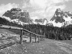A day out in Dolomites / Un dia en Dolomitas (toncheetah) Tags: dolomites dolomiti mountain peaks pines nature outdoors fence snow sky clouds