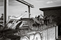 Hardware (Geir Bakken) Tags: rolleirpx rolleirpx25 fx39 yashica yashicamg1 analog analogue analogphotography film filmisnotdead filmphotography filmcamera 35mmfilm ilovefilm blackandwhite tønsberg urban