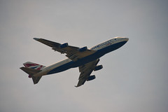 Thames Path Windsor 1 June 2019 022 (paul_appleyard) Tags: gcivi 747 jumbo boeing jet aircraft british airways britishairways windsor june 2019 plane oneworld