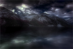 Don't Let The Sun Go Down On Me (Gio_guarda_le_stelle) Tags: night nightscape river österreich mountainscape music lyrics melody moon light cold mountains notte luce luna hold water reflection 4 clouds monnlight atmosphere travel eltonjohn imes