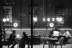 Katowice 2019 (Tu i tam fotografia) Tags: blackandwhite noiretblanc enblancoynegro inbiancoenero bw monochrome czerń biel czerńibiel noir czarnobiałe blancoynegro biancoenero ludzie people człowiek man kobieta woman girls women restauracja restaurant kawiarnia cafe lampy lamps night noc stoliki tables miasto city town nightlife streetphoto fotografiauliczna streetphotography okno window glass szyba pub knajpa para couple kieliszki glasses indoor outdoor polska poland oświetlenie lighting streetlife