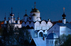 Convent of the intercession - Suzdal - Russia (johnnyfox712) Tags: convent intercession suzdal russia goldenring landscape landmark conventoftheintercession bluehour beautifullight cross gold silver