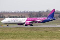 HA-LTH   Wizz Air   Airbus A321-231   CN 8724   Built 2019   VIE/LOWW 05/04/2019 (Mick Planespotter) Tags: aircraft airport 2019 nik sharpenerpro3 a321 schwechat vienna halth wizz air airbus a321231 8724 vie loww 05042019