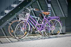 (Valérie C) Tags: bike shadow sun urban city purple stair nikon d750