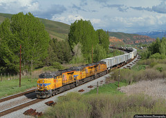 UPS Train (jamesbelmont) Tags: unionpacific ups trailer priority henefer echo utah zdvsc train locomotive railroad railway evanstonsubdivision ge es44ah