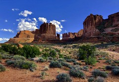 Evening in Arches National Park, Utah (__ PeterCH51 __) Tags: courthousetowers eveningmood evening nationalpark archesnationalpark moab utah amerika america usa iphone peterch51 usnationalparks