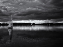 Sailing under Clouds (inmyeyespictures) Tags: cospudener see cospudenersee lake leipzig markkleeberg schwarz weis black white gfx50r drama clouds wolken düster gf3264f4