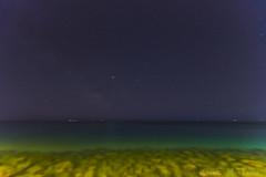 Estrellas y mar (kike.matas) Tags: canon canoneos6d canonef1635f28liiusm kikematas sanremo italia mediterraneo mar agua nature nocturna cielo estrellas vialactea luces arena largaexposición noche lightroom6