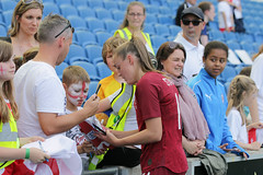 England Women 0 New Zealand Women 1 01 06 2019-1419.jpg (jamesboyes) Tags: england lionesses fa football soccer fifa fifawwc newzealand kiwis worldcup womensworldcup france2019 thisgirlcan whatif women sport ladies womeninsport equality brighton amex americanexpress tackle kick boot challenge score goal ball fans celebration selfie autograph smile support supporters teamengland