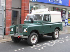 Still Earning It's Keep.... (Andrew 2.8i) Tags: carspotting spotting street car cars streetspotting united kingdom wales classic classics uk 4x4 4wd offroad estate 88 british landrover