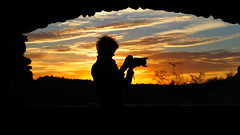 A Window Of Opportunity (VGPhotoz) Tags: olympus em1markii m40150mm f28 ƒ90 400 mm 1400 200 vgphotoz 2017 arizona window openspaces openwindow opentothepublic southwest silhouette female she friends visitor camera picture photo foto canvas frame pic click snap photography artisticphotography morning sunrise colors sky blackframe phoenix people image digital usa yahoo flickr composition western beauty artform casita desierto desert panoramic vista view daarklands