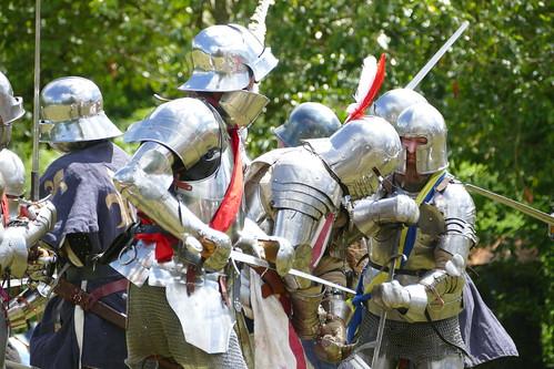 melee between knights