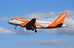 EasyJet Airbus A319 G-EZDN (andyflyer) Tags: edinburghairport egph aircraft flying aviation aeroplane edi easyjet airbus