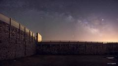 Panorámica centro galáctico vía láctea en el Castillo de El Real de la Jara (interior) (Justicia Poética) Tags: víaláctea astrophotography astrofotografía centrogaláctico panorámica milkyway