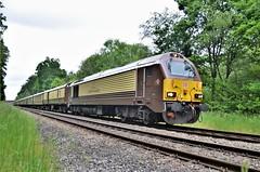 67021 (stavioni) Tags: db cargo schenker belmond british pullman diesel railway rail train class67