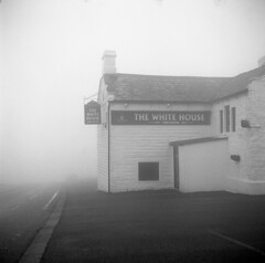 White House Pub, Blackstone Edge Moor, Yorkshire, 2018. Film 117006 (richardhunter3) Tags: yashica 635 tlr kodak tmax 400 ilford ddx white horse pub blackstone edge moor yorkshire fog foggy black film 120 medium format street