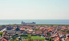 Westkapelle (Omroep Zeeland) Tags: westkapelle lichtbaken ijzerentoren zee schip walcheren zeeland