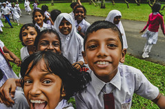 Sri (ratpoisen) Tags: travel trip people portrait sri srilanka nikond5000 childrens children faces happy moment life smile boy girl