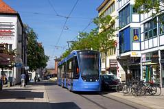 Dreiteiler 2753 auf Messfahrt in der Gleichmannstraße in Pasing (Frederik Buchleitner) Tags: 2753 avenio messfahrt munich münchen pasing probefahrt siemens strasenbahn streetcar twagen t3 tram trambahn