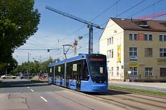 T3-Wagen 2753 in der Dachauer Straße südlich des Leonrodplatzes (Frederik Buchleitner) Tags: 2753 avenio messfahrt munich münchen probefahrt siemens strasenbahn streetcar twagen t3 tram trambahn