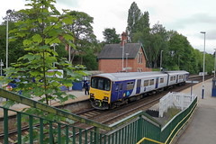 150145 (3) (ANDY'S UK TRANSPORT PAGE) Tags: trains arn arrivarailnorthern northern conisborough class150