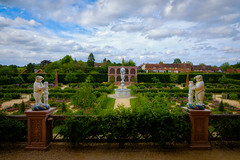 The Elizabethan Garden (C.G.Photos) Tags: castles england englishheritage history holiday lr suffolk warwickshire