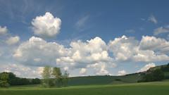 1. Juni 2019 (Teresa (be there...)) Tags: clouds wolken chmury cumulus himmel sky landscape landschaft krajobraz fields meadow tree baum wiese feld