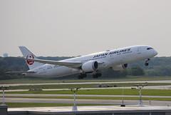 JA870J1 (jchicken84) Tags: boeing 787900 dreamliner charterflight japanairlines 787 desmoinesairport kdsm takeoff aviation airplane