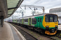 Northern 150109 (Mike McNiven) Tags: arriva railnorth northern londonnorthwesternrailway lnwr londonmidland manchester piccadilly buxton sprinter supersprinter dmu diesel multipleunit