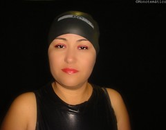 Lady with red lips; mujer con gorro negro (monotematico) Tags: woman female femaleportrait femalemodel femme femenino swimcap swimmingcap swimhat retrato retratofemenino rubber portrait persona mujer modelo gorro gorrodenatacion gorra gloves portraitobsession headgear hat hairless householdgoves latex latina cap contraste coveredhead fondonegro bathingcap bonnet blackbackground badekappe