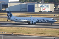 N471AS (LAXSPOTTER97) Tags: alaska airlines boeing 737 737900er n471as cn 41703 ln 5110 aviation airport airplane kpdx
