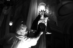 (The Return of Santa Rita alla Speranzella) (Robbie McIntosh) Tags: leicam9p leica m9p rangefinder streetphotography 35mm leicam summilux leicasummilux35mmf14i summilux35mmf14i autaut summilux35mmf14preasph man strangers napoli spanishquarters procession religion santarita santaritaallasperanzella