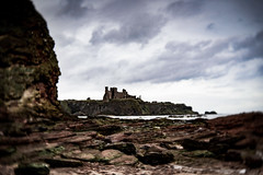 Tantallon Castle (judy dean) Tags: judydean 2019 lensbaby scotland tantalloncastle castle ruins rocks sea sky historicscotland
