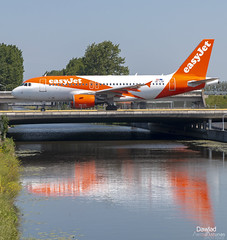 A319 OE-LQP en Schiphol (Dawlad Ast) Tags: amsterdam schiphol aeropuerto internacional international airport holanda holland mayo may 2019 spotting avion plane airplane aircraft ams airbus 319111 oelqp easyjet europe sn 3810 a319 319 rodaje taxiway puente water canal