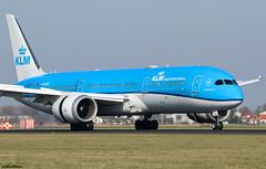 KLM Royal Dutch Airlines Boeing 787-9 Dreamliner PH-BHF (RuWe71) Tags: klmroyaldutchairlines klklm klm koninklijkeluchtvaartmaatschappij airfranceklm airfranceklmgroup boeing boeing787 b787 b789 b7879 boeing787dreamliner boeing7879 boeing7879dreamliner dreamliner phbhf hf005 cn42486422 hibiscus amsterdamschiphol amsterdamschipholairport schiphol schipholairport schipholamsterdam ams eham polderbaan widebody twinjet runway landing theflyingdutchman
