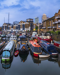 Limehouse Boats (JH Images.co.uk) Tags: limehouse boats dock docklands canarywharf night reflection water ships canal canalboats hdr dri