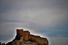 Las nubes y el castillo (enrique1959 -) Tags: martesdenubes martes nubes nwn castillo burgodeosma soria castillayleon españa europa
