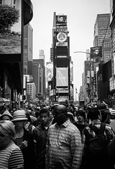 FILM - Times Square crowds (fishyfish_arcade) Tags: 35mm analogphotography bw blackwhite blackandwhite canonsureshotz135 filmphotography filmisnotdead hp5 istillshootfilm monochrome newyork analogcamera compact film ilford mono streetphotography timessquare
