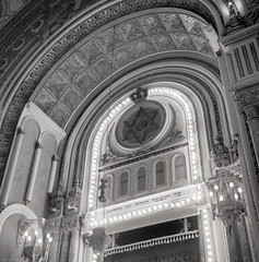 RO18 R4-04 Sinagoga Mare din Bucureşti (The Great Synagogue). Bucharest (Rolleiflex 3,5, Ilford HP5+) (Templar1307) Tags: bucharest bucuresti bucurestiilfov romania synagogue sinagoga jew jewish evrei evreu rolleiflex tlr film ilford rollfilm blackwhite mediumformat analog hp5