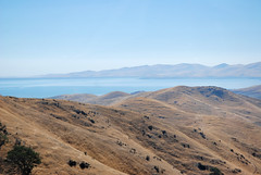 San Luis Reservoir (Sameli) Tags: lake mountains mountain range blue sky water landscape san luis reservoir ca california us