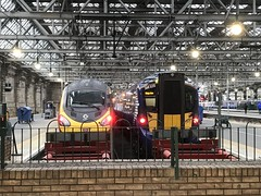Glasgow Central - 03-06-2019 (agcthoms) Tags: scotland glasgow glasgowcentral station railways trains virgintrains pendolino class390 390154 scotrail class385 385035