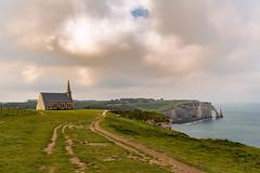 Notre Dame de la Garde et l'Aiguille creuse - Etretat (France) (A.L PH) Tags: etretat france paysage landscape falaises chapelle nikond850 2470mm ndamedelagarde normandie tourisme