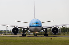 PH-BQA Boeing 777-200(ER) KLM AMS 2019-06-02 (15a) (Marvin Mutz) Tags: phbqa klm boeing 777200er ams aviation planespotting avgeek aircraft airplane aeroplane plane pilot cockpit crew passenger travel transport jet jetliner airline airliner wings engines airport runway taxiway apron clouds sky flight flying eham amsterdam