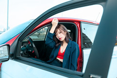 Style Serial (Novafly) Tags: asia beauty car fashion girl parkinglot red smart taiwan yuri 台北 台北市 台灣 roof