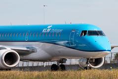 EHAM / ERJ-190 / PH-EZO (MAGspotter) Tags: klm embraer erj 190 taxiway q amster schiphol niederlande nederlands netherlands europe spotting plane canon 70d tamron 70300 aviation