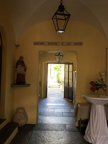 Antico Restaurant Borromeo interior 1