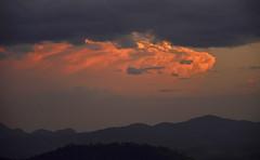Barra de ouro (Márcia Valle) Tags: juizdefora cenarural zonarural ruralscene nikon brasil brazil márciavalle minasgerais natureza outono autumn nature d5100 nuvens sunset pordosol clouds
