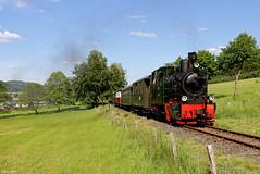 """Die Dampflok """"Bieberlies"""" mit dem Museumszug der Sauerländer Kleinbahn kurz vor Erreichen des Bahnhofs Hüinghausen in Herscheid, 02.06.2019 (-cg86-) Tags:"""