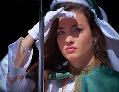 Caras de la Semana Santa: hebrea deslumbrada (Patricio Alcaraz¿?) Tags: retrato procesión semanasanta chica mujer española murcia españa spain spanishwoman